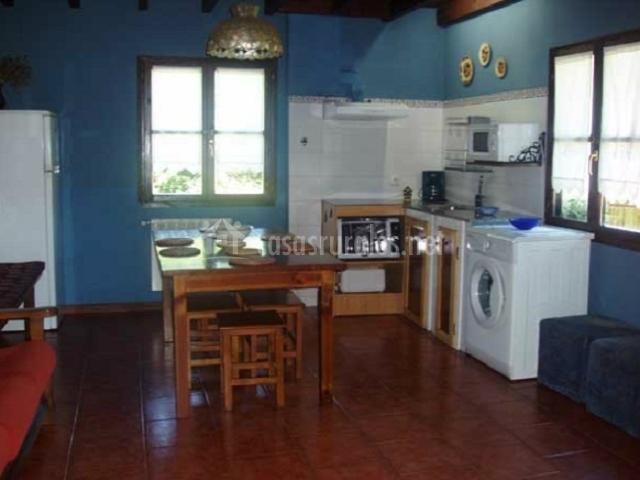 Villa urea en soto de dego asturias - Lavadora en la cocina ...