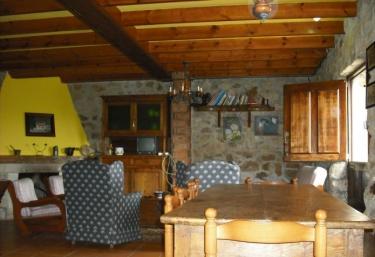 Peña Crespa- Casa de Aldea - El Pedroso (Villavicios), Asturias