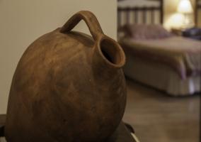 Silla del dormitorio granate