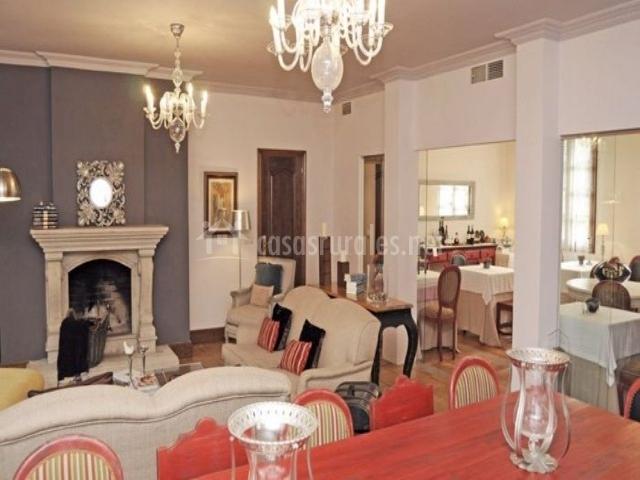 A pedreira en cuntis pontevedra for Sala de estar y comedor