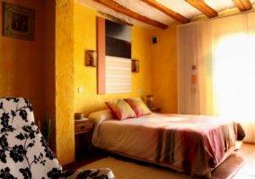 Dormitorio Ceci con luz natural