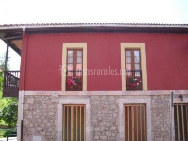 Vistas de la fachada con puertas