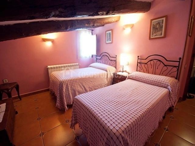 Casa grande lo ferr en beceite teruel - Habitacion pequena dos camas ...