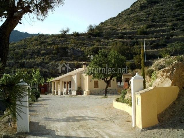 Genoveva ii casas rurales en relleu alicante for Casas rurales alicante con piscina