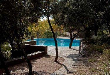 Casas rurales con piscina en pitres for Alquiler casa con piscina granada