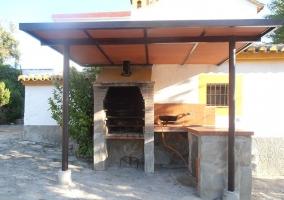 Barbacoa con techo