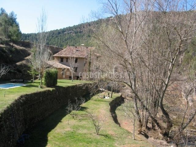 Mol nou en pe arroya de tastavins teruel - Casas rurales teruel con piscina ...