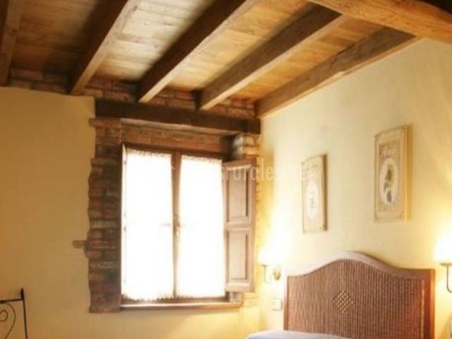 Casa remigio en precendi asturias - Techo abuhardillado ...