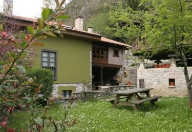 Casa Remigio - Precendi, Asturias