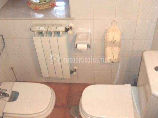 Caser o de san pedro i en caldue o asturias - Cuartos de aseo con ducha ...