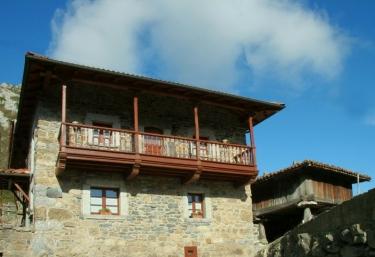 Casa Prieto I - Cortes (Quiros), Asturias