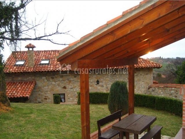 Casa navariegu i en ribadesella asturias - Casas con porche ...