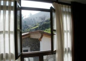 Vistas desde el dormitorio a las montañas