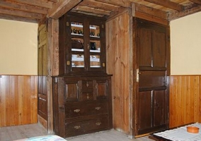 Detalle en madera del salón