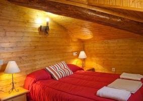 Dormitorio de madera