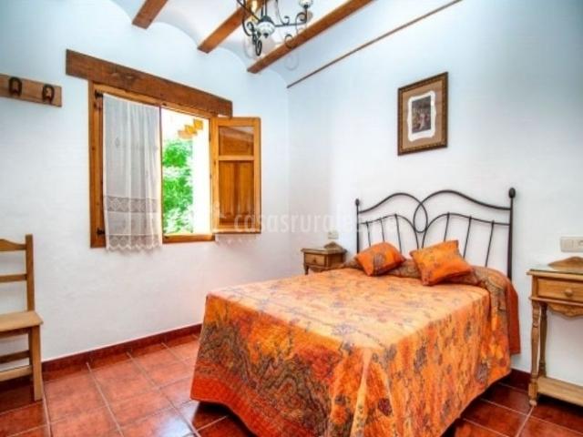 Casa rural la herradura en jorquera albacete - Colchas dormitorio matrimonio ...