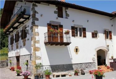 Casa Zabaltenea - Donamaria, Navarra