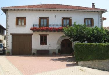 Casa Zurgiñenekoa I - Izcue, Navarra