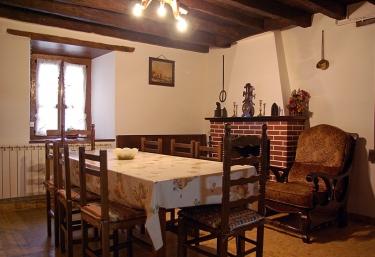 Casa Preottua - Valcarlos/luzaide, Navarra