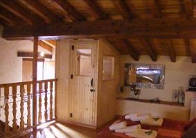 Vista general del dormitorio con sauna