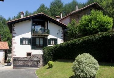 Casa Senperenea I - Irurita, Navarra