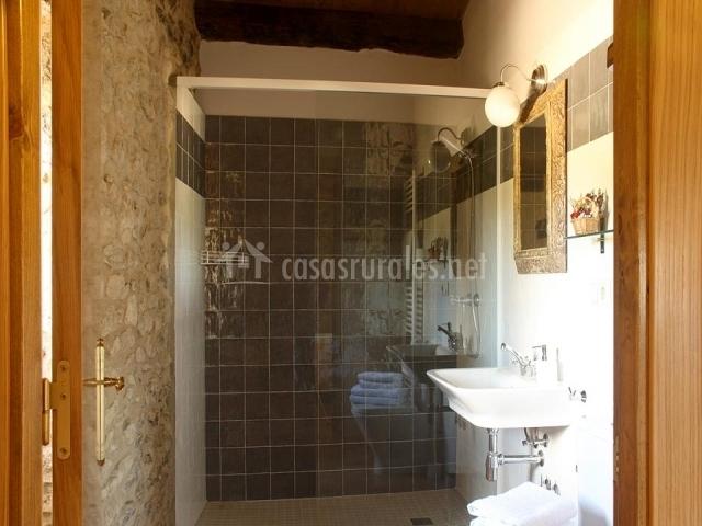 Palou del call en lladurs lleida - Cuartos de bano modernos con ducha ...