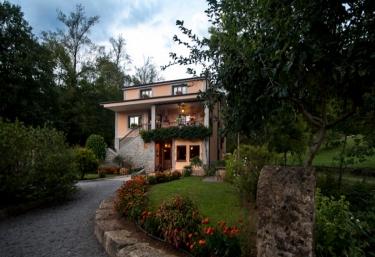 Casa Rural Santu Colás - Corao, Asturias