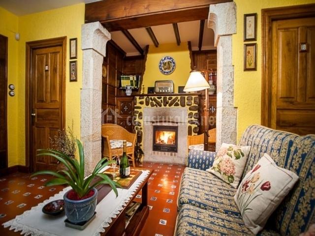 Casa rural riosol en cangas de onis asturias for Casa rural con chimenea asturias