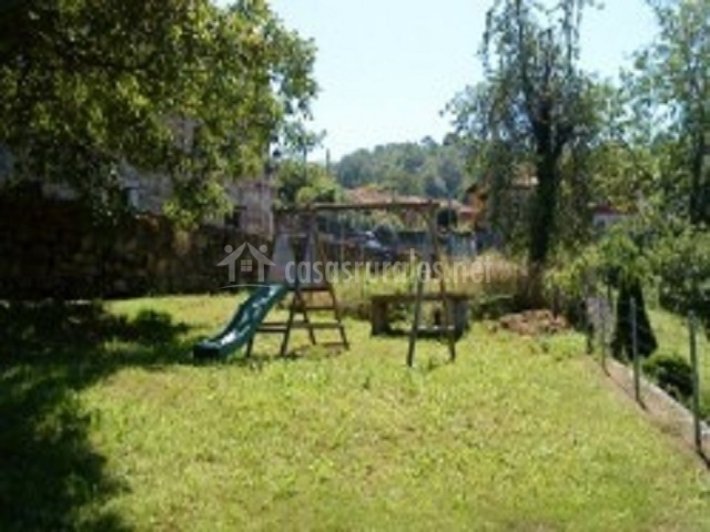 Casa anita en mere asturias for Casa jardin culebra