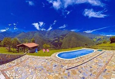 Casas rurales con piscina en lerones for Casas rurales en santander con piscina