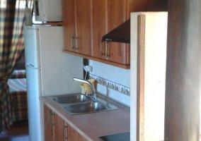 Cocina de la casa con los armarios