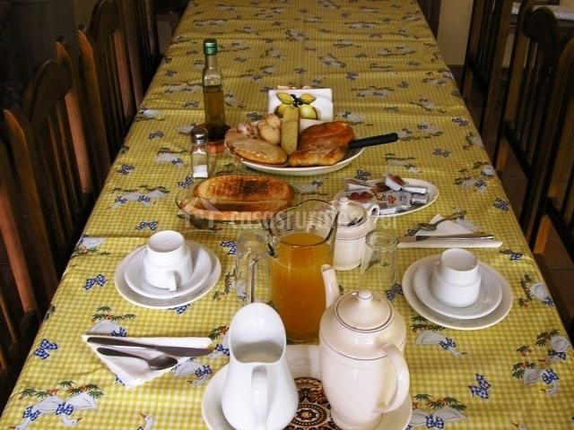 Desayuno preparado en la casa