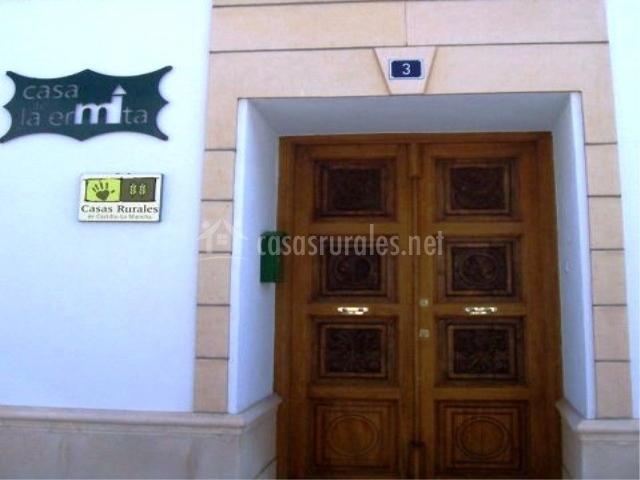 Puerta de entrada a la vivienda
