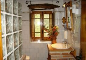 Vista completa del cuarto de baño