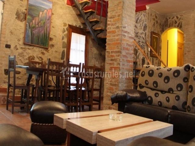 Casa v ctor en agueda del caudillo salamanca for Salon comedor cocina mismo espacio