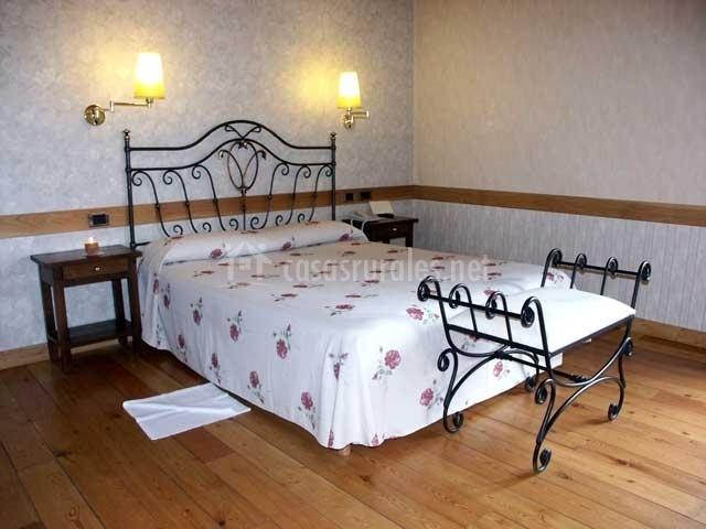 Casa antiga do monte en padron a coru a for Butacas habitacion matrimonio