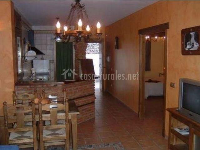 Alojamiento rural la huerta en soportujar granada for Cocina salon espacio abierto