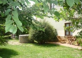 Zona verde con muebles de exterior