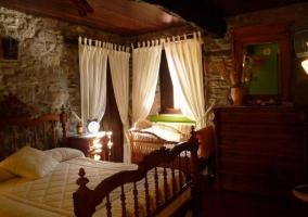 Dormitorio de matrimonio con espacio para la cuna