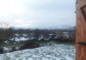 Vistas del campo con nieve