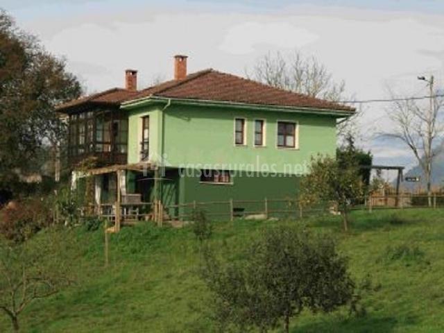 La casa desde lo lejos