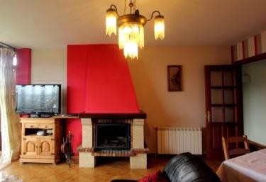 Casas rurales con chimenea en sorribas sevares for Casa rural con chimenea asturias