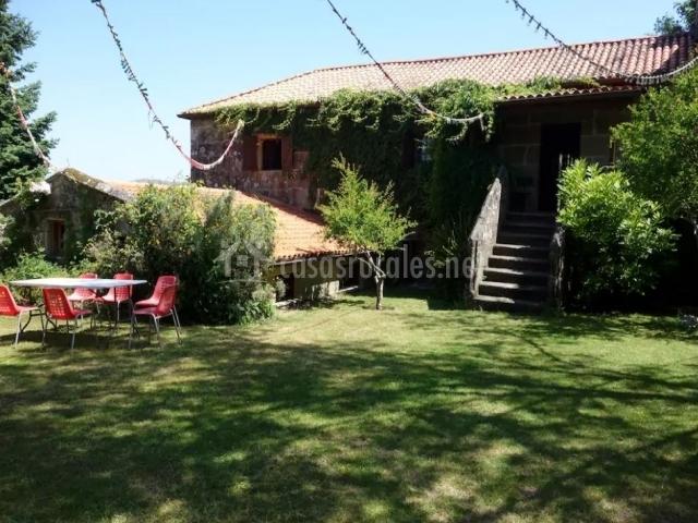 Casa souteleira en a lama pontevedra for Antas jardin