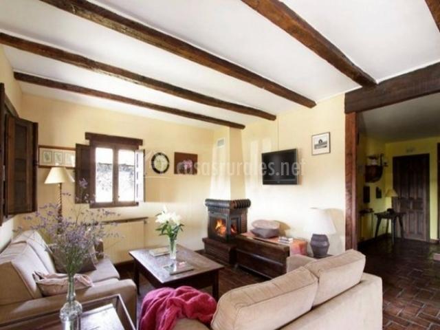 La pizarra negra en campillejo guadalajara - Casa rural con chimenea en la habitacion ...
