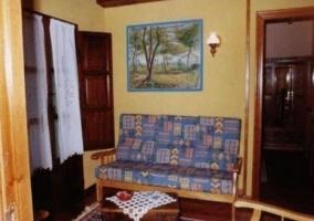 Sala de estar con varios sillones