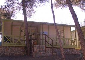 Fachadas de los bungalows
