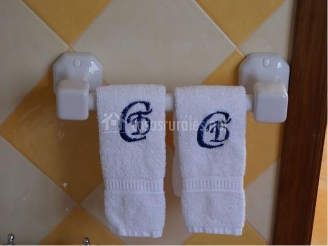 Toallas de baño bordadas