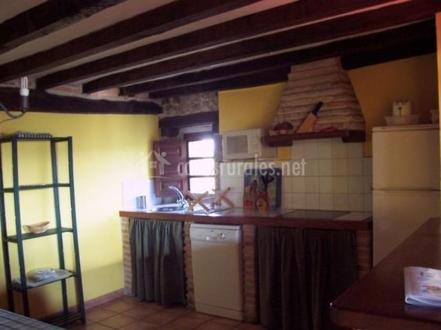Casa rural la toba en bezana burgos for Mesa supletoria cocina