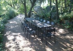 Exteriores con mesa