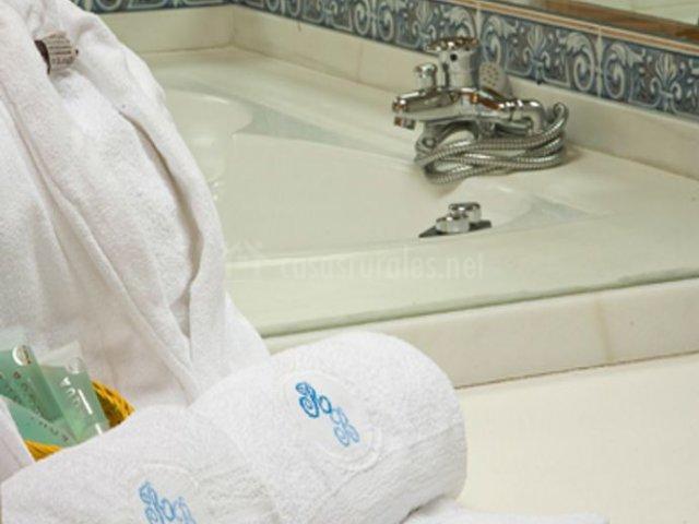 Dúplex con aseo y toallas